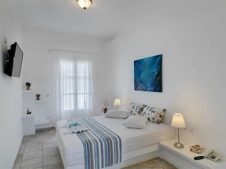 Aloni  | Double Room with Sea View & Balcony