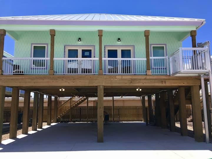 Jewel Box Beach Cottage C Duplex-Summer Fun