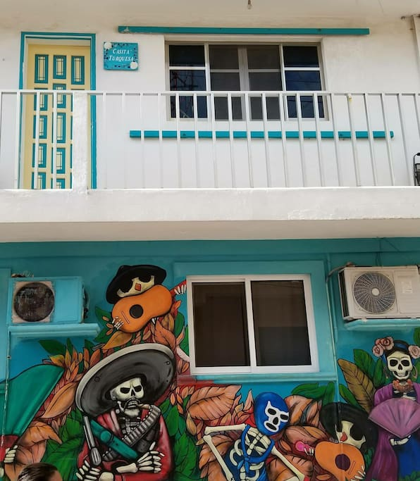 Casita Turquesa - with a balcony overlooking the street