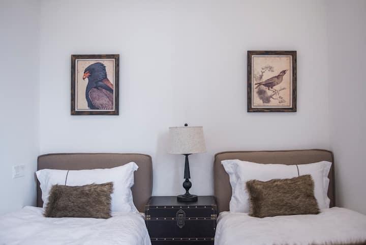 独栋花园别墅+浦东机场、迪士尼特价双床房(可接送机)