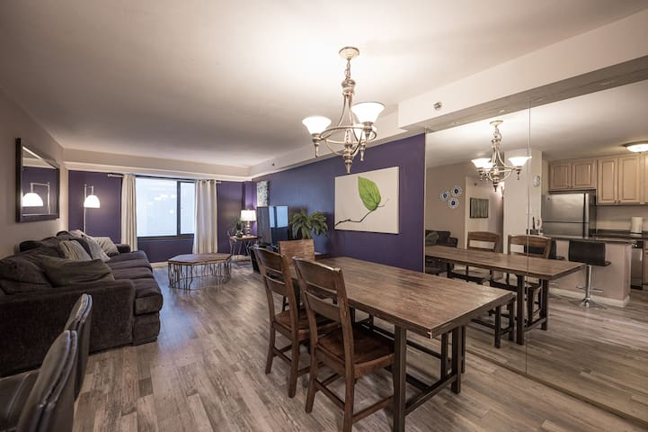 Stay Together on The Strip - 2 Bedroom Apartment