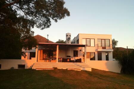 Casa Tao. Loft 1er Piso vista panorámica 360 - Punilla - Bed & Breakfast