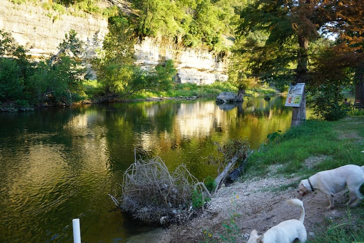 River Camp - New Braunfels - Pension