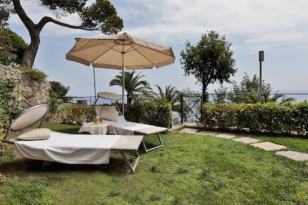 Seaview apartment Resort and Spa