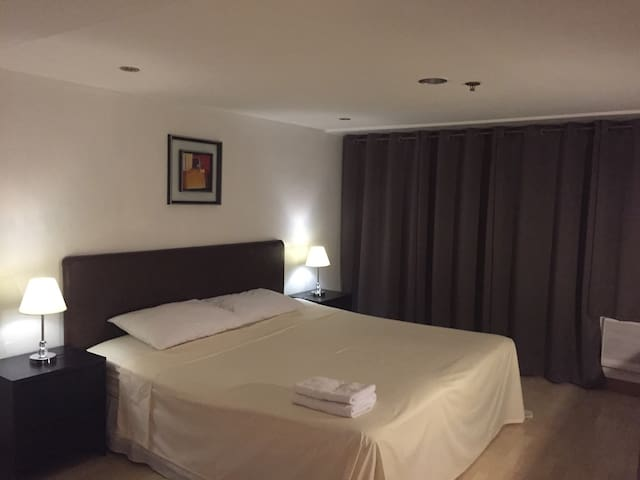 1 Big Bedroom Suite in the City Center EDSA Makati