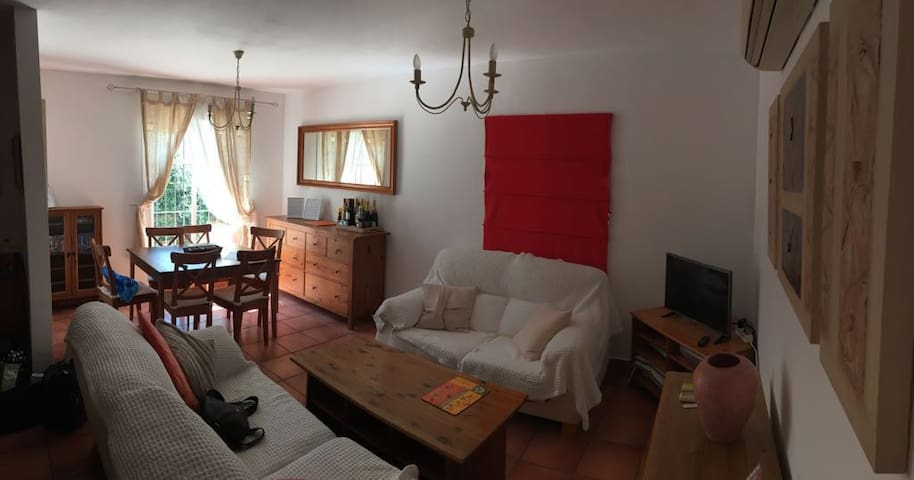 Lakeside Townhouse - relaxing holidays,rural cadiz