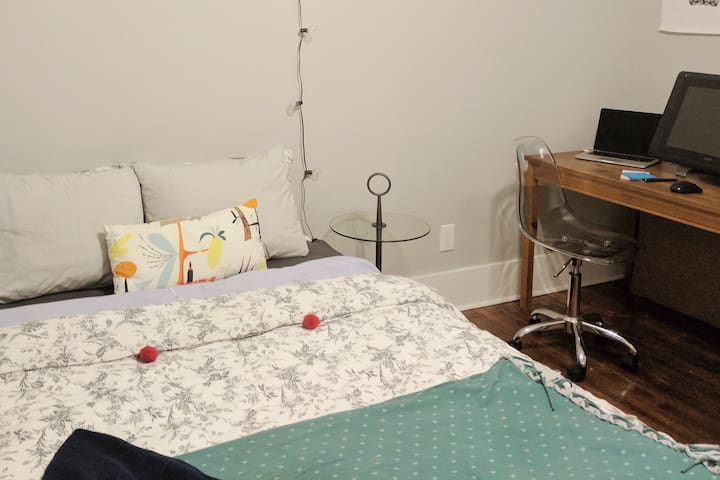 Bright, cozy & modern: Private space for 1 or 2! - Savannah - Apartmen