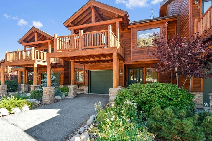 Slopeside 202 by WPLCo | Walk To Base Area | New, New New! | Sleeps 10!