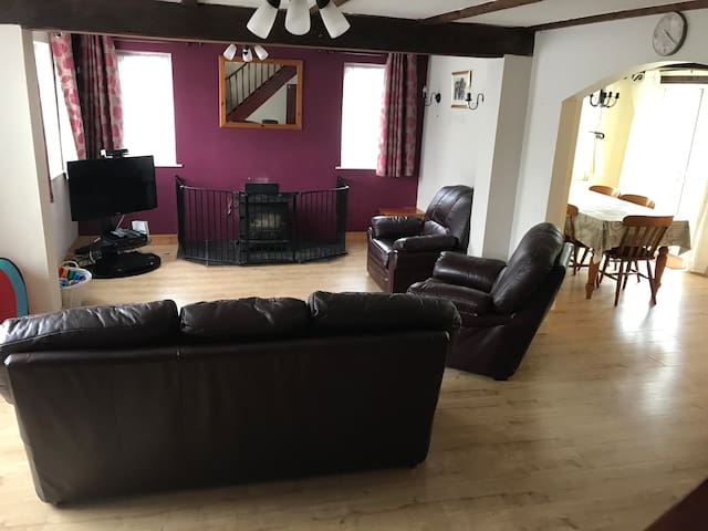Lovely big lounge perfect for families