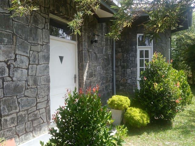 The Rock House, Room1, Seeduwa / Katunayake