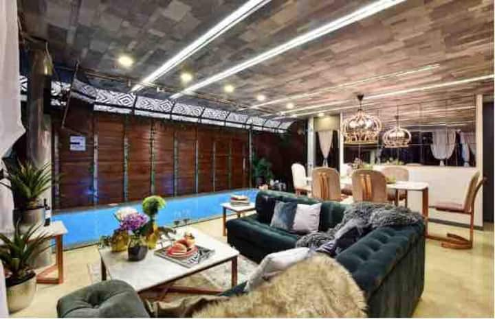 ⭐️18 BEDROOM BACHELOR PARTY MANSION PARQUE LLERAS⭐️