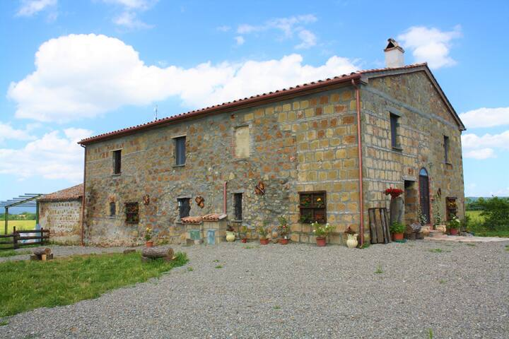 Holiday House near Via Francigena, Lago di Bolsena