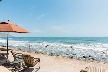 Oceanfront Dolphin Point at Faria Beach - Ventura - House