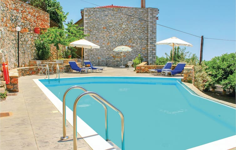 Holiday cottage with 3 bedrooms on 150m² in Kalamata