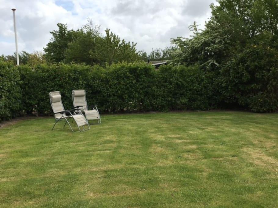 Grote tuin met volledige privacy