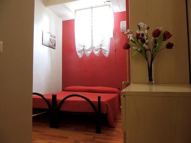 Camera Matrimoniale o Dus + Bagno - Ciampino