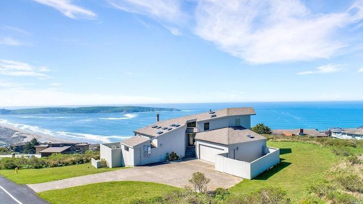 Quiet Hilltop Escape Overlooking the Ocean