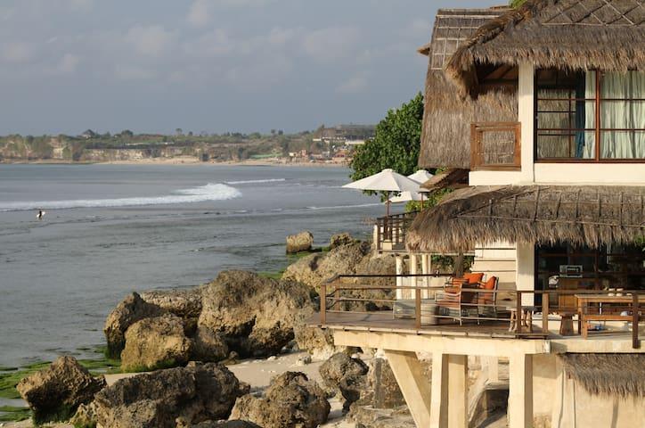 Surfing Villa Monyet - Bali - House