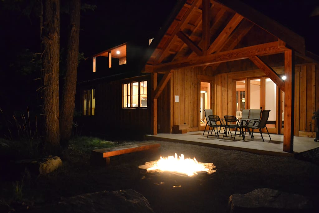 Eagle's Landing: S'mores, Rip Roaring Natural Gas Fire Pit
