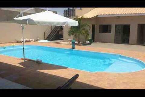 Rancho completo com piscina