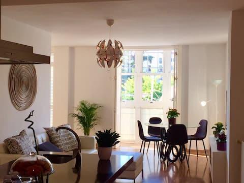 Luminoso apartamento en Plaza del Rey + PARKING