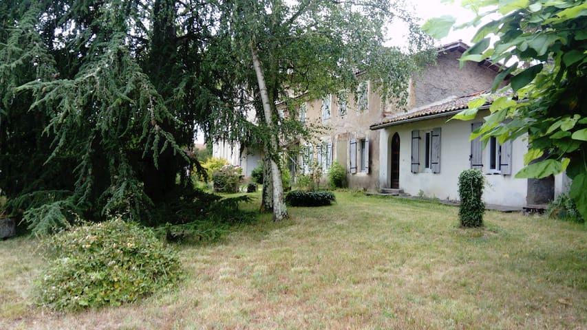Maison mitoyenne 25 kms Bassin d'ARCACHON