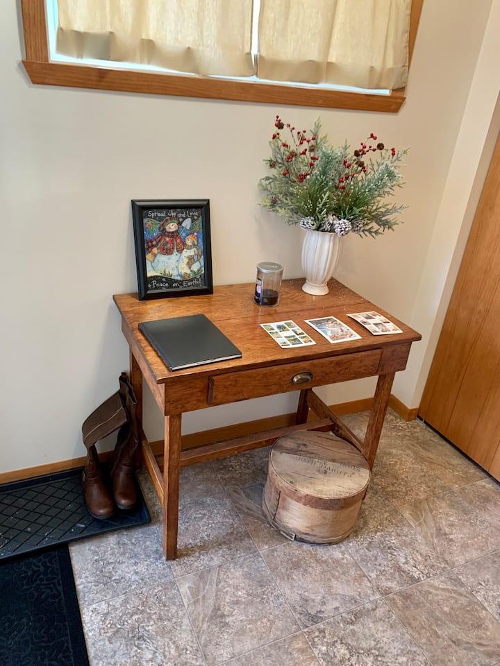 Clean cozy S. Fargo twin home near Scheels Arena