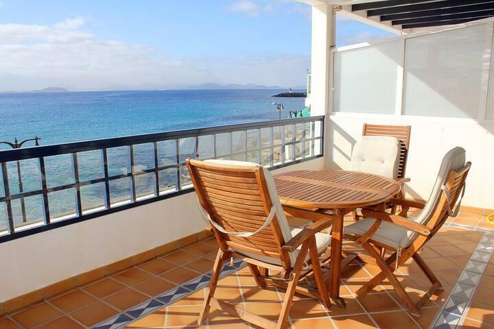 First Line apartment in Playa Blanca city centre - Platja Blanca - Pis