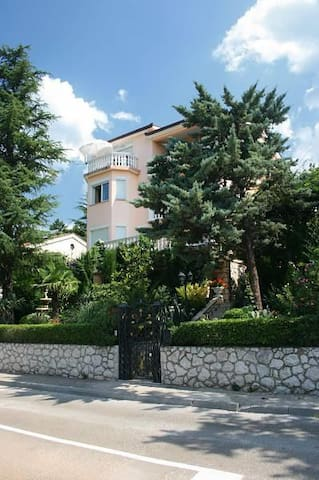 One bedroom apartment with terrace and sea view Selce, Crikvenica (A-2355-d) - Selce - Byt