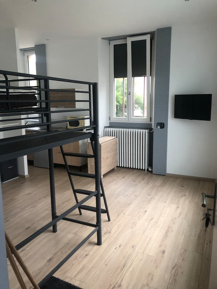 Loue studio avec clicclac 140 x 190 et lit 140x190