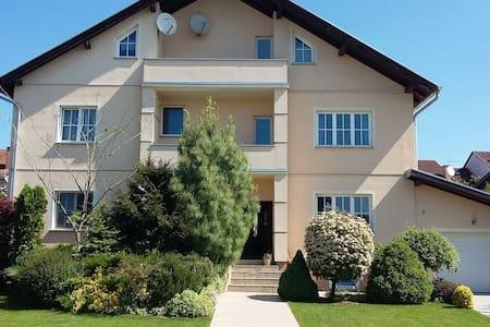120m² Apartment für 4+1 Personen in ruhiger Lage