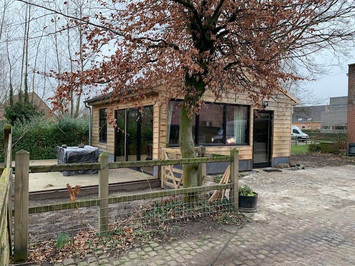 Mini huisje 4p - 1 slaapkamer  met eigen tuin