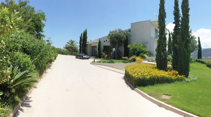 Luxury Estate with stunning views in Corinth