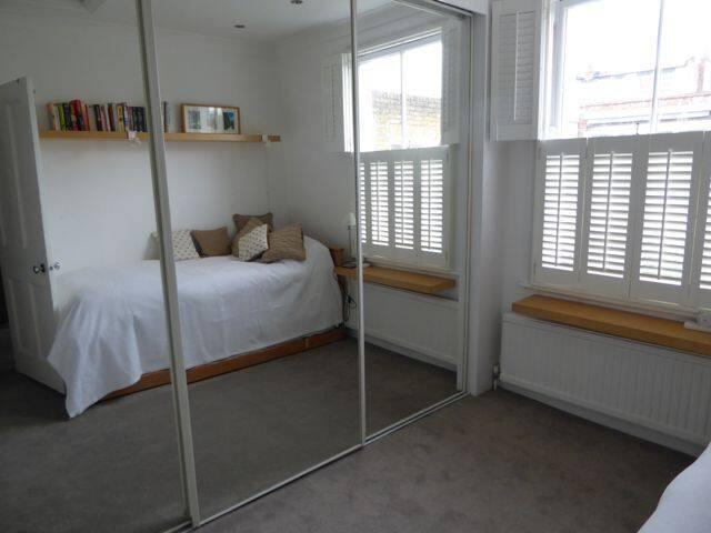 Sunny single room 10 mins from Hoxton nightlife