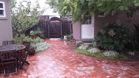 San Luis Obispo Guesthouse - quiet neighborhood