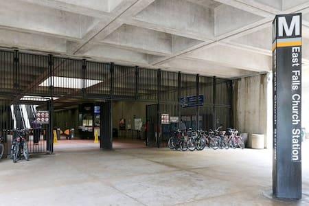 1 BLOCK to Metro station close 2 Dc - Arlington