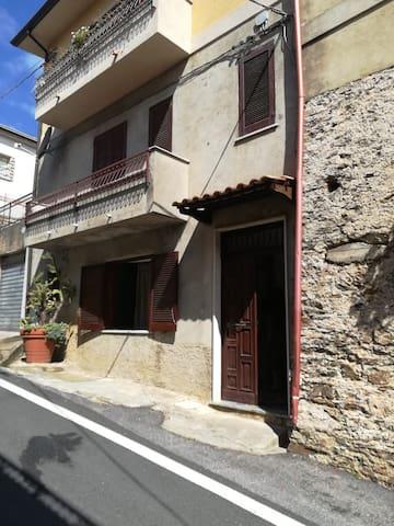 Casa a Bonifati