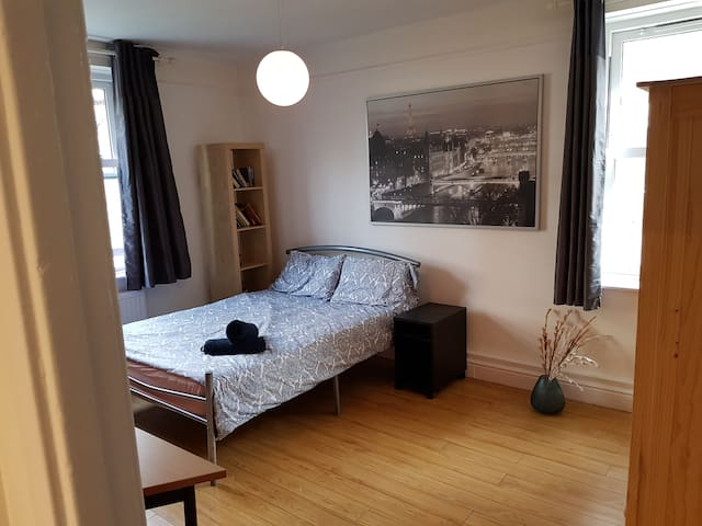 King size room in Trendy Shoreditch  ( C )