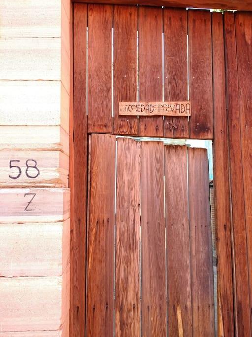 Puerta a la privada