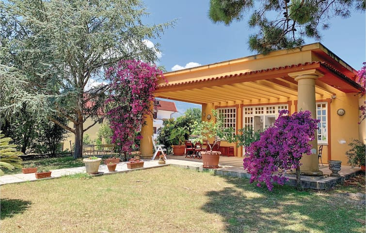 Holiday cottage with 3 bedrooms on 170m² in Minturno