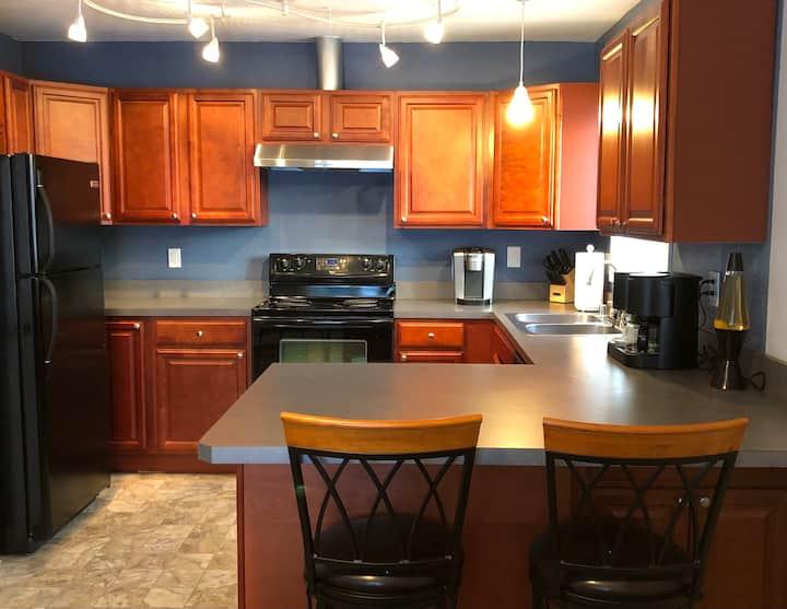 One Bedroom Apartment (#1) in Quiet Triplex