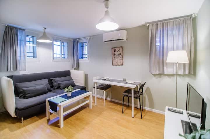 Chic & Cool Apartment on Ben Yehuda Street