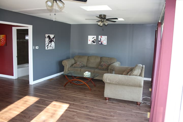 Cozy, Modern and Newly Renovated House in Halifax - Bedford - Bungalow