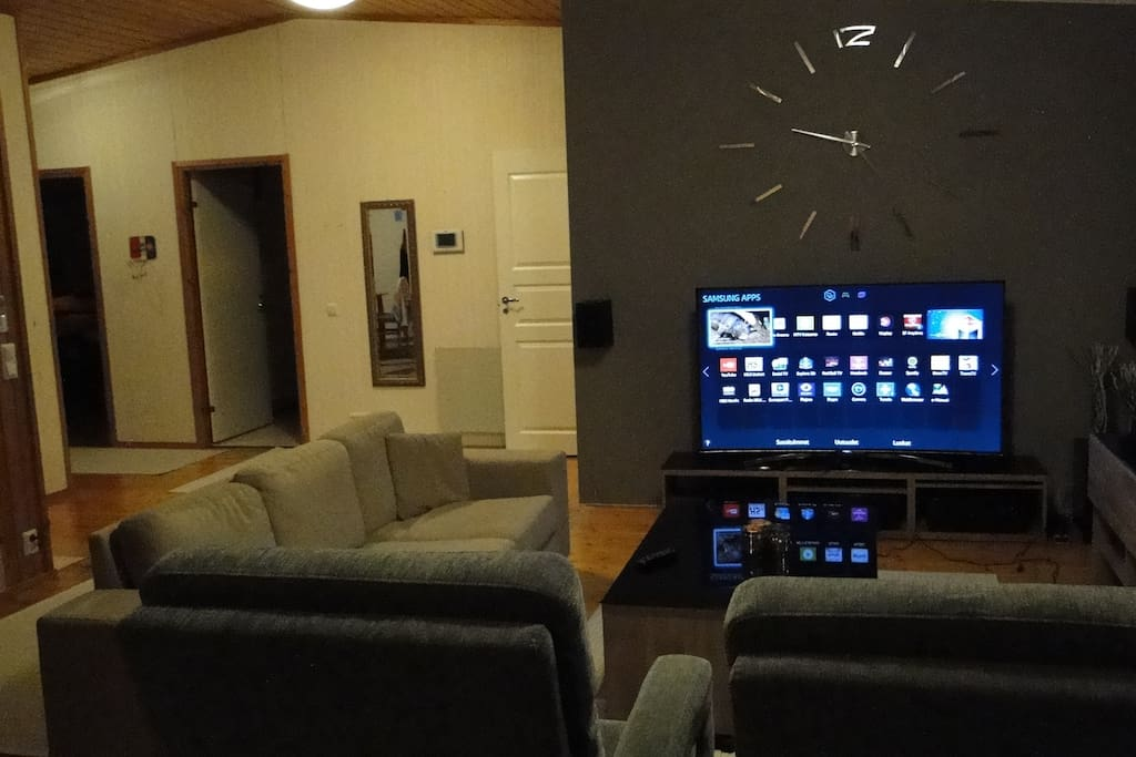 "Гостиная Домашний кинотеатр  Living room with 65"" SMART-TV and 5.1 home theater"