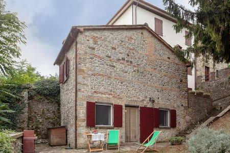 Soggiorno in antico borgo  - Verucchio - Huis