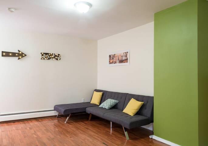 Clean Cozy 2 Bedroom Apt by Yankee Stadium - Bronx - Casa