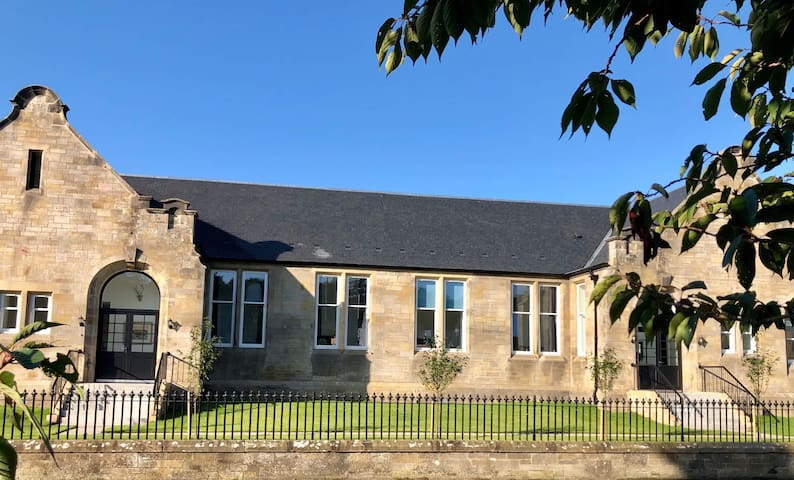 The Old Schoolhouse, Kinross