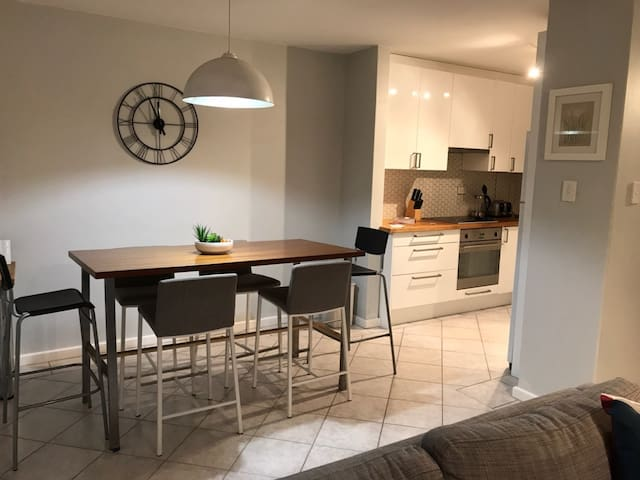 West End Life - Stylish 2 bedroom apartment
