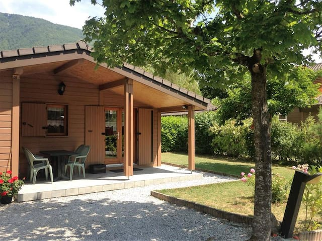 Annecy Lake side cabin - Doussard - Cabin