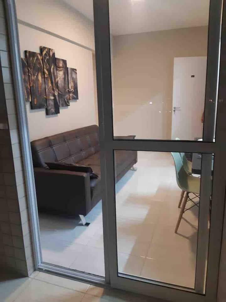 Apartamento novo,com ar,pisciana e churrasqueira